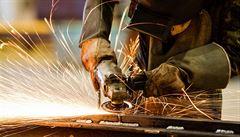Ekonomika v Česku oživuje. Nezaměstnanost klesla na 7,5 procenta