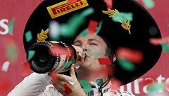 Rosbergova náplast: po triumfu v Mexiku si jede pro stříbro. Vettel nedokončil