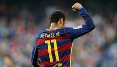 V Barceloně zůstanu, dejte mi ale pětinásobný plat, žádá Neymar. Klub souhlasí