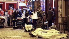 Hrozivý teror v Paříži. Policie útočníky zastřelila, v sále našla 100 mrtvých, další umírali na ulicích