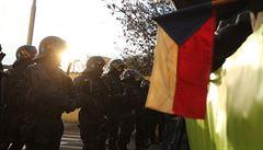 Studenty nepustila policie k památníku na Albertově. Je to smutné, říká rektor UK