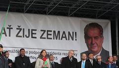Ať žije Zeman, skandoval dav. Prezident si na akci odpůrců islámu užil potlesk a ovace