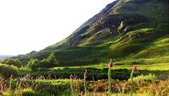 Střed Skotska či rovník. Turistické atrakce, které nejsou na správném místě