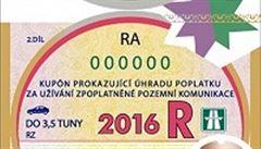 Začínají platit dálniční známky pro příští rok. Kvůli padělání jsou úplně jiné