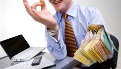 Pozor na půjčky mimo banky, varuje ČOI. Půlka nabídek porušuje zákon