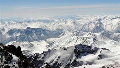 Sněhem a ledem na třetí nejvyšší gruzínský vrchol Kazbek
