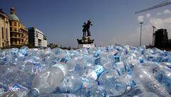 Vědci našli zajímavé využití pro plastové lahve. Dokázali z jejich zbytků vytvořit vanilku
