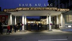 Razie v Curychu. Policie zatkla dva místopředsedy FIFA za přijetí úplatků