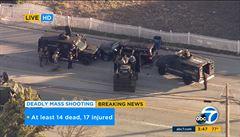 Útok v Kalifornii: 14 mrtvých, 17 raněných. Policie po honičce rozstřílela auto a zabila muže a ženu