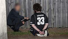Hvězda ragby, nebo terorista? U patnáctiletého školáka našli fotky řezání hlav