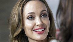 Verboval dětské vojáky, u soudu byla Angelina Jolie