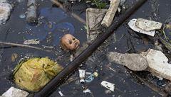 Vyčistit vodu v Riu se nedaří. Riziko nákazy je velké, hlásí experti