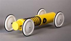 Tradiční hračky baví, studentským designem roku je natahovací autíčko