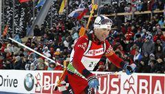 Neuvěřitelný Björndalen získal 95. triumf kariéry. Čeští biatlonisté nezářili
