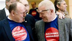 Vláda prosazuje Zemanův sen o evidenci tržeb. Měla ji zajistit 'černá skříňka'