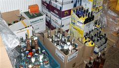 Údajní odběratelé stovek tisíc Březinova nelegálního lihu Hemžští se u soudu odvolali