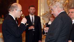 Zeman přijal demisi vlády, prozatímně ji pověřil výkonem funkce