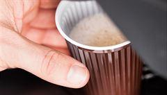 Co pijete v českých automatech: čokoládu s minimem kakaa a náhražky mléka