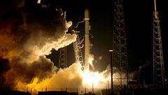 Raketa Falcon 9 se vrátila k Zemi. 'Důležitý krok na cestě k osídlení Marsu,' říká Musk