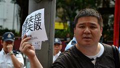 Hongkong protestuje proti nenasytným Číňanům. Skupují tamní zboží