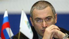 Rusko má v české vládě 'své lidi', do akce může zapojovat i komunisty, tvrdí Chodorkovskij. Jmenoval Ondráčka