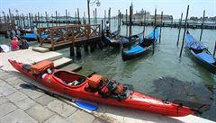 Některé kanály v Benátkách jsou kvůli klesající hladině na suchu