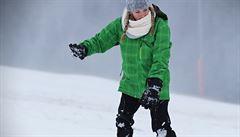 Sobotní sníh přilákal tisíce lyžařů, nedělní déšť je z hor zase vyhnal