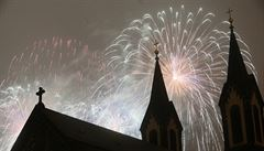 Prahu osvětlil tradiční novoroční ohňostroj