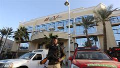 Pomsta bývalých zaměstnanců i spor o ženu. Egypt spekuluje o pozadí útoku na hotel v Hurgadě
