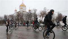 Moskvané testovali kola v kruté zimě. Tisíce lidí nezastavilo ani 12 pod nulou