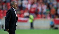 Slavia opět padla a trenér soptil: Prohráváme souboje vpředu i vzadu