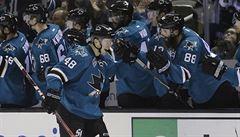 NHL: Hertl přispěl gólem k výhře, Voráček skóroval pod širým nebem