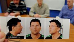 Žalobce ignoroval policisty a propustil muže, který šířil HIV. Případ řeší nadřízení