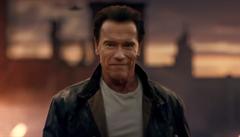 'Maminka bude střílet.' Donutil jsem Stalloneho hrát v příšerném filmu, přiznal Schwarzenegger