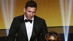 Messi je nejlepším fotbalistou roku 2015. Díky pátému Zlatému míči jde do trháku