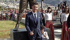 Ronaldovi odhalili sochu. S intimními detaily, které prozrazují až moc