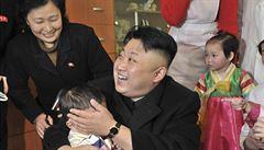 KLDR nařídila mužům účes 'na Kima'. Vypadá jako čínský pašerák, protestují