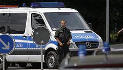 Čech řídil mezinárodní gang zlodějů drahých aut. Německá policie členy zatkla