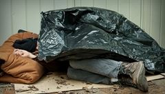 Italský bezdomovec dostal domácí vězení. Nesmí opustit chodník