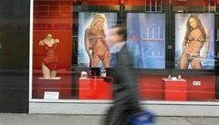 Parta Američanů vyhrála 2,5 miliardy korun na sázenku ze sexshopu