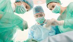 Operace robotem mají být standardem, tvrdí onkologové