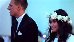 Nevěstu dojal bojový tanec haka. Ke skupině tanečníků se přidal i ženich