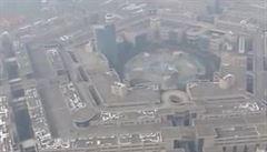 Čína okopírovala Pentagon. Obchodní dům zeje prázdnotou