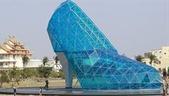 Turisty na Tchaj-wanu bude lákat socha ve tvaru dámské lodičky