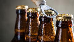 Pětina Čechů pije velmi rizikově, zkonzumuje dvě třetiny veškerého spotřebovaného alkoholu u nás