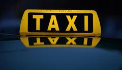 Falešný taxikář údajně sexuálně obtěžoval ženy v Praze. Policie hledá další napadené