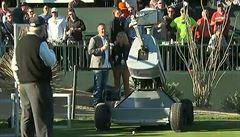 Nahradí golfisty roboti? Stroj jménem Eldrick trefil ve Scottsdale hole in one