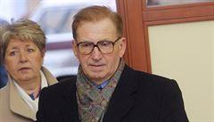 Policie vyšetřuje Štrougalovu odpovědnost za smrtící dráty železné opony