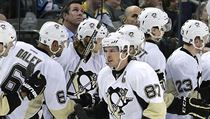 Pittsburgh Penguins center Sidney Crosby (87) celebrates with teammates after scoring against the Tampa Bay Lightning during the second period of an N ...