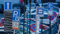 Z Malostranského náměstí má zmizet parkoviště k prvnímu červenci